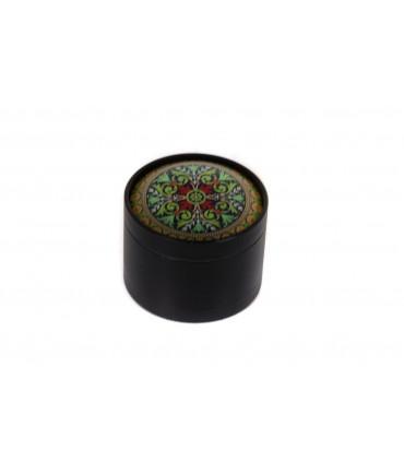 Black Leaf Grinder - Green Carpet